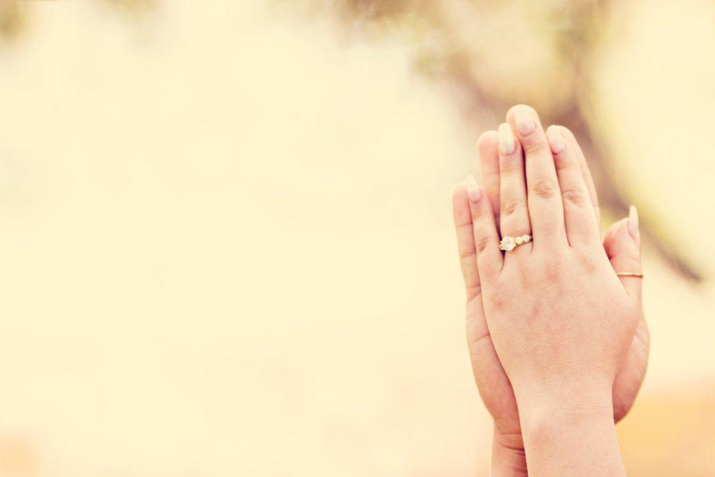 moška in ženska roka, sodelovanje